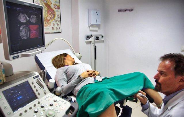 Más del 50% de las mujeres con adherencias dentro de la cavidad uterina han sufrido un legrado uterino