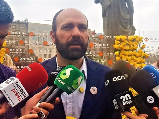 """Sant Jordi.- Mauri (Òmnium): """"Ante la represión, el mejor antídoto es la cultura"""""""