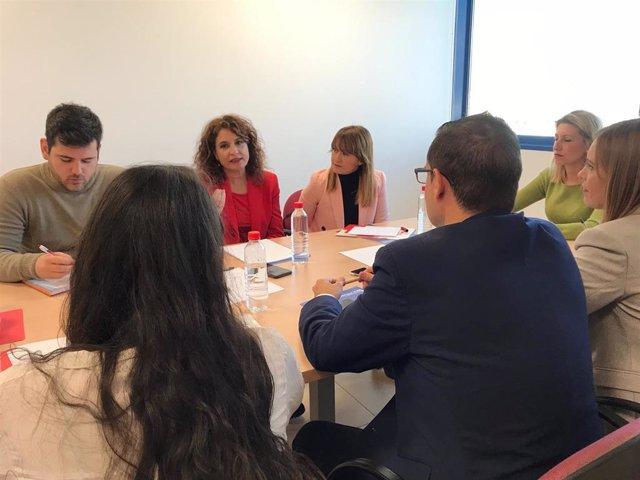 """Montero lamenta la """"soflama"""" de Torra sobre el juicio del """"procés"""" y le recomienda admitir que """"no habrá independencia"""""""