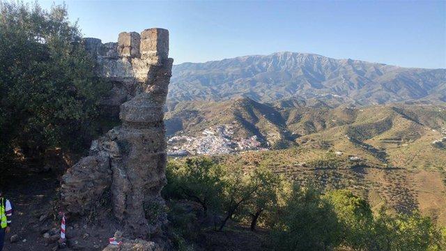 Málaga.- Arenas anuncia el inicio de los trabajos de conservación del castillo de Bentomiz, BIC del S. XI
