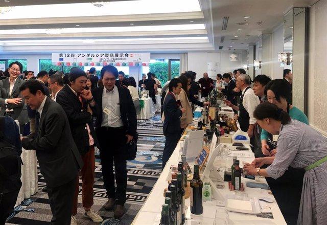 Economía.- Cerca de 300 agentes nipones conocen la oferta de 69 firmas andaluzas de la mano de Extenda en Tokio