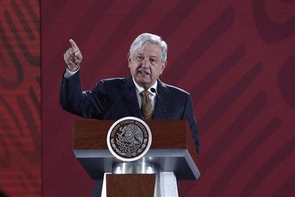 """López Obrador dice que México frena el """"libre paso"""" de los migrantes centroamericanos por """"seguridad"""""""