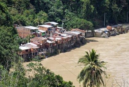 Aumentan a 32 los muertos por un deslizamiento de tierra en el oeste de Colombia