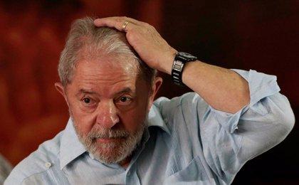 El TSJ de Brasil rebaja más de tres años la condena de cárcel contra Lula por el caso del tríplex de lujo