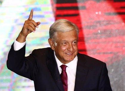 """López Obrador dice que México frena el """"libre paso"""" de los migrantes centroamericanos por """"seguridad"""