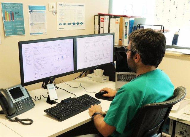 La Fe colidera un estudio que avala la seguridad de la monitorización remota de los dispositivos cardíacos implantables