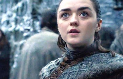 """Juego de Tronos: Maisie Williams (Arya) responde a los fans incómodos con su escena: """"Mi familia también lo vio"""""""