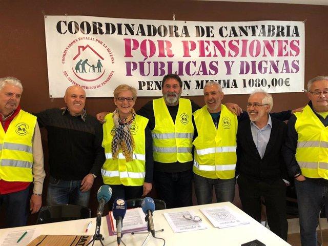 """28A.- Pensionistas Cántabros Advierten Que """"Gobierne Quien Gobierne"""" Tras Las Elecciones """"Seguirán En La Calle"""""""