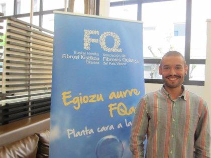 El bilbaíno Jonatan Fernández, diagnosticado de fibrosis quística, hará cuatro triatlones para visibilizar la enfermedad