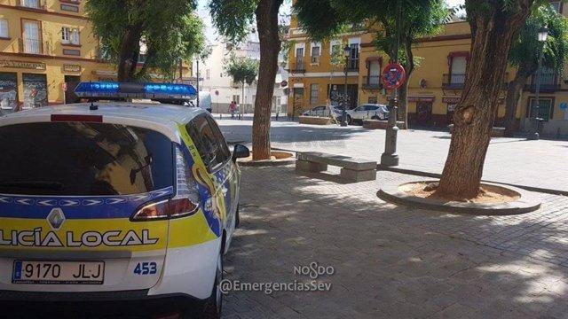 Policía Local en la Macarena
