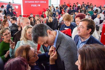 """Pedro Sánchez reafirma su compromiso de """"dar un impulso"""" al tren extremeño en la próxima legislatura"""