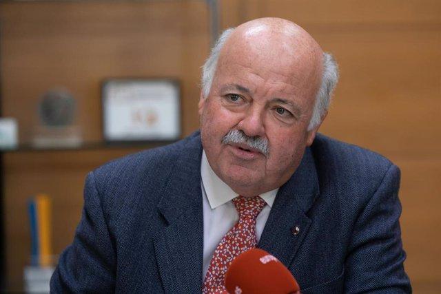 Entrevista  de Europa Press al consejero de Salud y Familias,Jesús Aguirre.