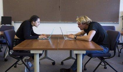 Investigadores españoles desarrollan una 'app' que detecta estados emocionales según la postura corporal