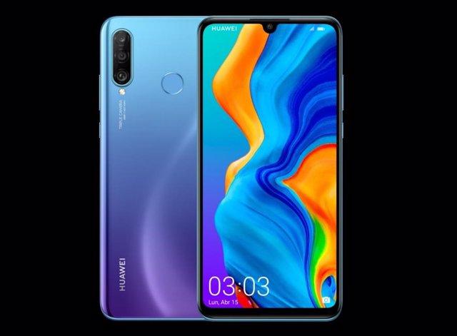 Huawei presenta en Espanya el 'smartphone' P30 lite, que manté la triple càmera en la gamma mitjana