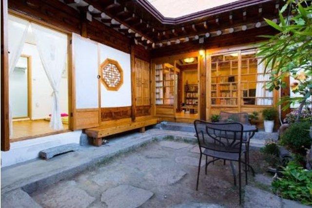 Airbnb registra un augment de viatgeres en solitari d'Espanya del 335% en dos anys