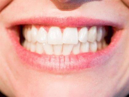 La deficiencia de calcio en las células por una mutación genética lleva a daño en el esmalte dental