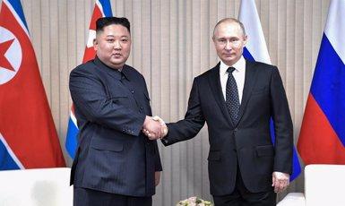 Comença la primera reunió entre Kim Jong-un i Putin a Vladivostok (-/Kremlin/dpa)