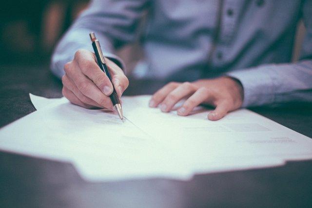 Economía.- La CNMC dice que los honorarios de los auditores deben ser fijados libremente y rechaza cualquier regla