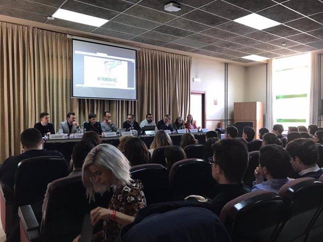 28A.- Ocho Partidos Políticos Participan En Una Mesa Redonda En El Campus Del Milán