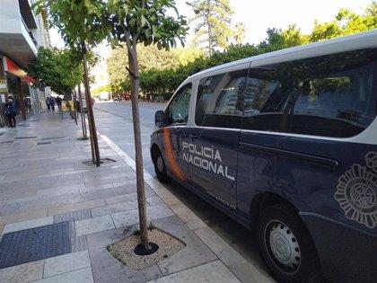 Detenido un hombre capturado por su propia víctima en el interior de un taxi en Estepona
