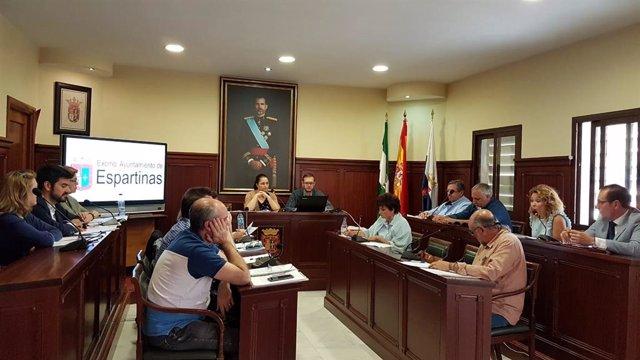 """Sevilla.-El Consistorio de Espartinas alega que estaba """"obligado"""" a renunciar a las ayudas al no poder cubrir los costes"""
