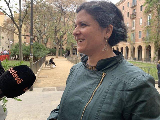 Barcelona contempla medidas legales contra un gran tenedor de vivienda para evitar un desahucio