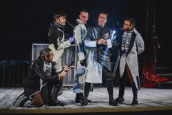 Ron Lalá tracta de trobar l'assassí del teatre entre el públic del Poliorama amb 'Crimen y Telón' (RON LALÁ)