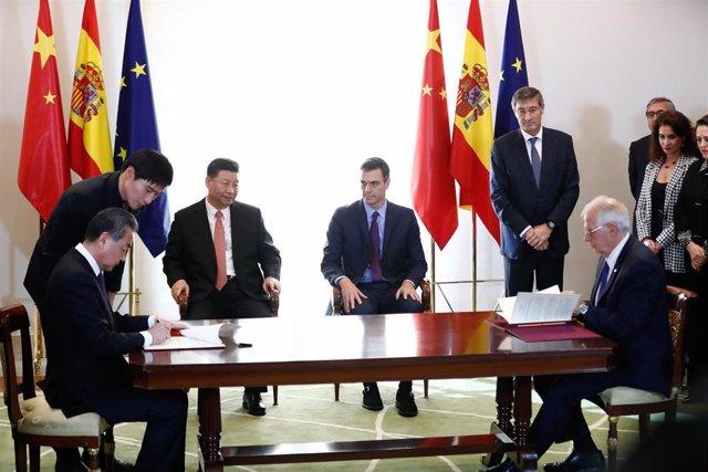 España y China firman una serie de acuerdos económicos y culturales durante la visita de Estado de Xi Jinping