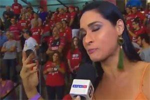 La deportista brasileña Jaqueline Carvalho se desmaya en plena entrevista
