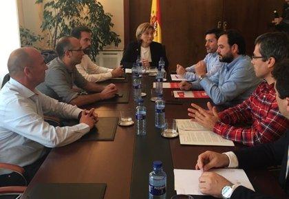 """El Gobierno asegura que los inversores siguen interesados en Alcoa sin Estatuto pero los sindicatos hablan de """"traición"""""""