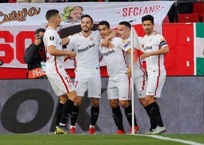 El Sevilla golea por la 'Champions' y el Villarreal respira