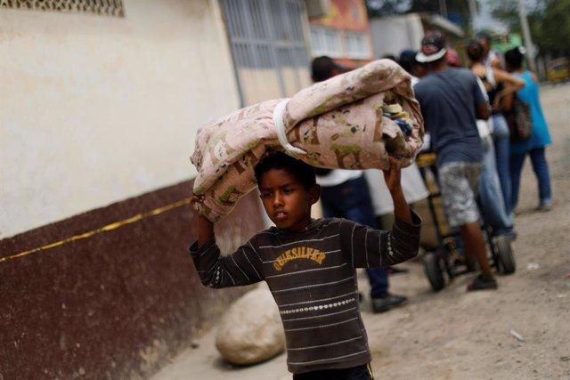 Venezuela.- La ONU pide más dinero para atender a los migrantes venezolanos en América Latina