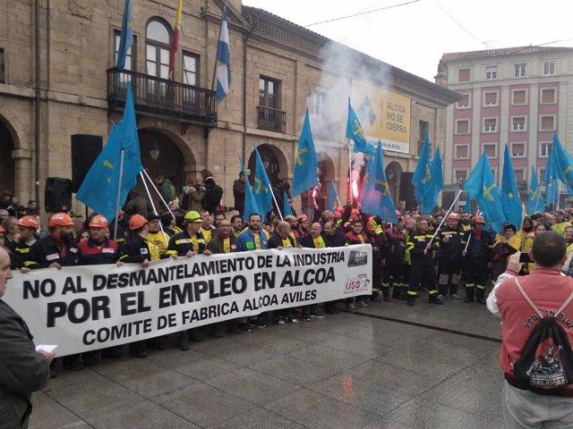 Trabayadores d'Alcoa concéntrense mañana énte'l Congresu pa esixir la continuidá de les plantes