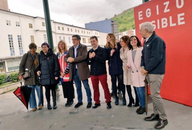 """Patxi López destaca la trayectoria de Carlos Pera, """"impulsor de la modernización de Barakaldo"""""""