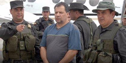 La Justicia colombiana condena a 30 años de cárcel al exlíder paramilitar 'Don Mario' por homicidio y terrorismo
