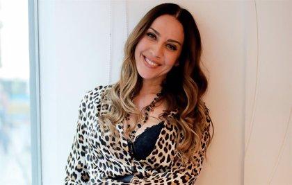 Mónica Naranjo estrena Tú y yo y el loco amor, himno LGTBI para la película Salir del ropero