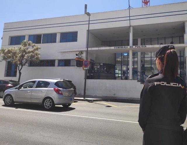 Málaga.- Sucesos.- Detenidas tres personas por robar dinero y un teléfono móvil a dos jóvenes en Marbella