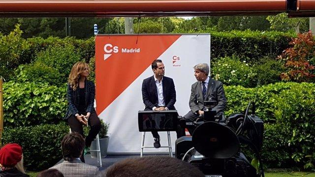 """Aguado dice que no ha prometido ningún puesto a Garrido y que le gustaría tenerle """"lo más pegadito posible"""""""
