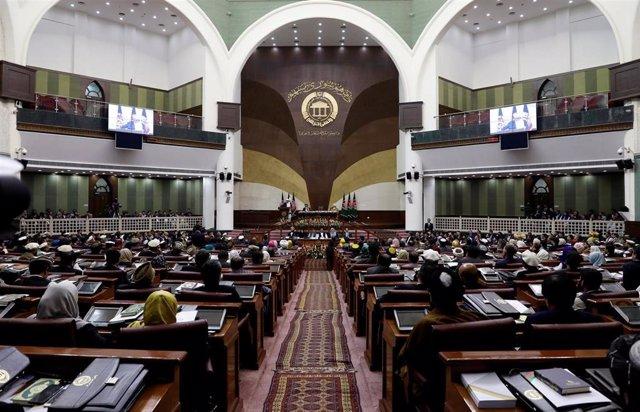 Afganistán.- El presidente afgano insta a los nuevos diputados a sumarse al proceso de paz con los talibán