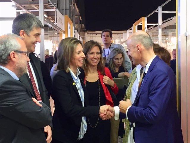 Fira.- La consellera ngels Chacón destaca el potencial exportador del sector nupcial catal