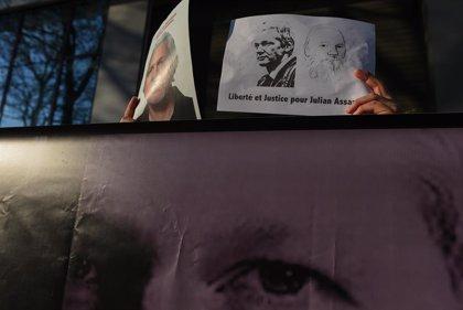 """WikiLeaks: """"Estados Unidos quiere acusar a Assange de espionaje, lo que supone pena de muerte"""""""