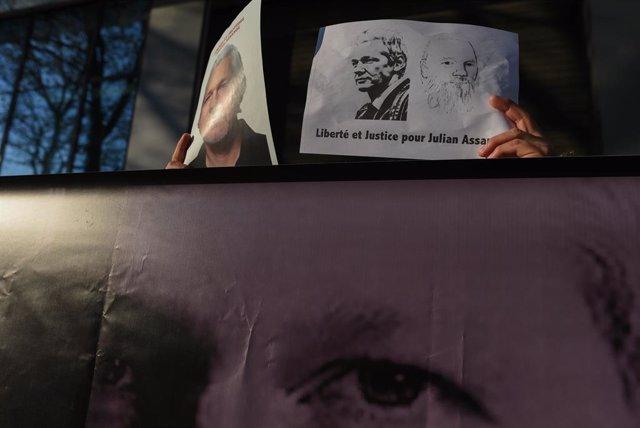 \'Free Julian Assange\' rally in Paris