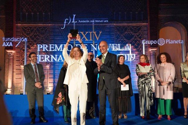 AV.- La escritora Ángela Becerra gana el XXIV Premio Fernando Lara por su novela Algún día hoy