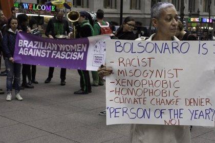 """Bolsonaro advierte de que Brasil no debería convertirse en un """"paraíso para el turismo gay"""""""