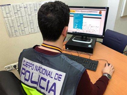 La Policía identifica a más de 100 menores por publicar videos sexuales propios para conseguir 'likes'
