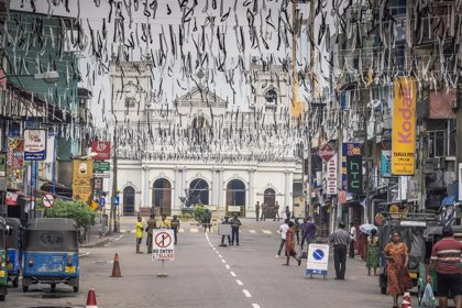 El presidente de Sri Lanka ilegaliza a los grupos sospechosos de los atentados del Domingo de Pascua