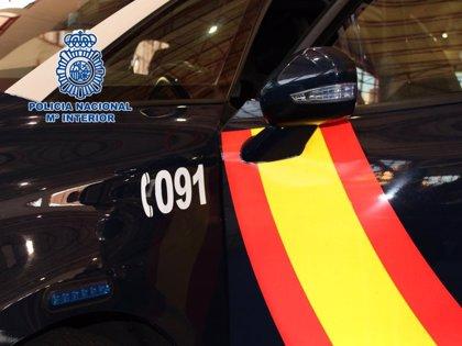Un ciudadano retiene en Melilla a un hombre que presuntamente había forzado y robado en un vehículo