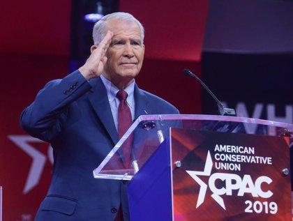 Oliver North abandonará el lunes la presidencia de la NRA tras ser acusado de extorsión