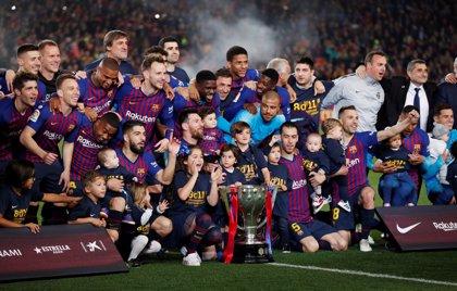 Messi permite al Barça conquistar y festejar LaLiga en el Camp Nou