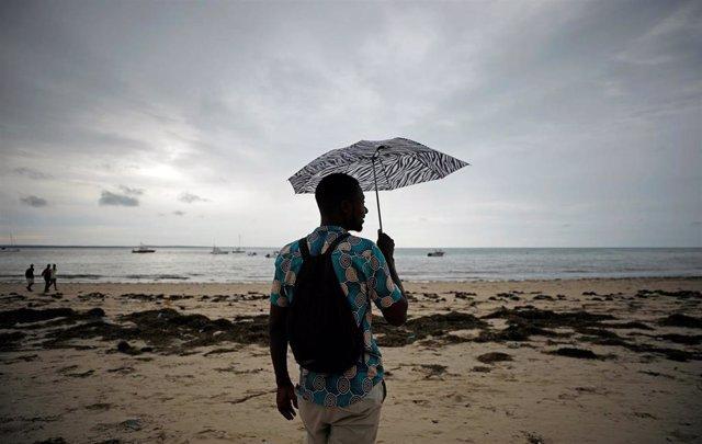 Mozambique.- Mozambique inicia una operación a gran escala para salvar a los atrapados por las inundaciones en Pemba